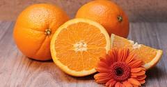 """Die Orange. Die Orangen. Oder: Die Apfelsine. Die Apfelsinen. Die Farbe Orange wurde nach der Frucht Orange benannt. • <a style=""""font-size:0.8em;"""" href=""""http://www.flickr.com/photos/42554185@N00/32577817610/"""" target=""""_blank"""">View on Flickr</a>"""
