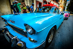 Coche loco en 14mm, La Habana (pepoexpress - A few million thanks!) Tags: nikond600 nikon d610 d6101424mm nikond6101424mmf28 1424mmf28 pepoexpress cars lahabana tresdíasenlahabana cuba cubacars blue