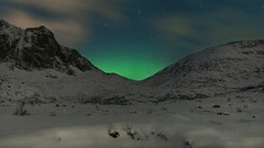 and so another night of magic and wonder began (lunaryuna) Tags: norway lofoten lofotenislands flakstadpollen landscape winter season seasonalbeauty snow night nocturnalphotography nightphotography nightsky starrynight sky stars northernlights auroraborealis nordlichter nature beauty lunaryuna