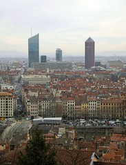 Lyon (Laetitia de Lyon) Tags: nikoncoolpixp7100 lyon tour incity oxygène partdieu tower building vue view city ville