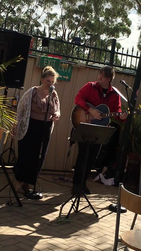 Drifter acoustic duo in the garden at the Hale Road.  Come down for our Sunday chill out session