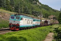 Vuoti in discesa... (Maurizio Zanella) Tags: italia trains railways fs alessandria trenitalia ferrovia treni rigoroso e655078 e652078 mrv54611