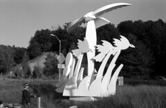 sculpture (bergytone) Tags: bw sculpture film analog 35mm nikon gulls 100 em 114 outdoorart kentmere ilfosol3