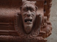 Mi Ange Mi Dmon (Maison de l'Alchimiste) Tags: sculpture art architecture alsace diabolique dmoniaque tailleurdepierre bathomet colmar68000 sciencesoccultes sciencesdivinatoires mystiquerhenane maisondesttes1609