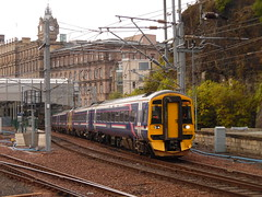 AS 158733 & 158724 @ Edinburgh Waverley (Sim0nTrains Photos) Tags: scotrail eastcoastmainline dmu ecml dieselmultipleunit class158 supersprinter expresssprinter britishrailclass158 158724 158733 brelderby abellioscotrail 2t80 thebordersrailway