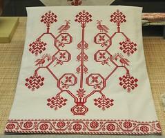 Totonac Skirt Veracruz Mexico (Teyacapan) Tags: mexico mexican textiles embroidered skirts treeoflife tajin bordados falda papantla totonaco