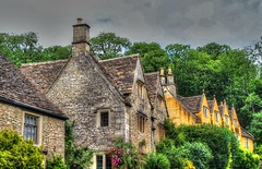 CASTLE COMBE (toyaguerrero) Tags: uk inglaterra england english architecture rural britain cottage cotswolds quintessential englishness