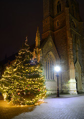 Vertical Panorama Christmas (Inner Vision Productions) Tags: stthomas square newport isleofwight christmas tree lights illuminated fairy string old church traditional festive season 2016 yuletide yule fir evergreen pine religious religion christianity jesus christ birthday celebration tradition architecture street town light lamp glowing yellow orange nikon d5200 dslr kitlens 1855mm longexposure night dark bright vivid contrast colour innervision mattblythe panorama