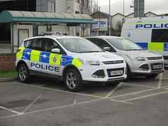 Transport Police vehicle. (aitch tee) Tags: cardiff policevehicles britishtransportpolice walesuk ford