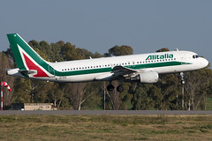 EI-EIA A320 ALITALIA FCO 16L (Simone De Stradis) Tags: plane airplane pilot boeing airbus airport nikon landing takeoff air fiumicino rome fco lirf skyteam staralliance sky oneworld gear engine goaround spotting spotters d500 captain alitalia emirates etihad british airfrance lufthansa iberia cathay qatar jal ana american united tam tap virgin sunrise sunset landscape aviation airliners jetphotos planespotters b717 b727 b737 b777 b747 b757 b767 b787 a300 a310 a318 a319 a320 a321 a330 a340 a350 a380