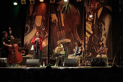 Bandajorona #folk #popolare #cantautore #jazz #rock #musica #music #dalvivo #sottosuolo #toffia #live #underground #roma #tibervalley   📷 ] ;)::\☮/>> http://www.elettrisonanti.net/galleria-fotografica/