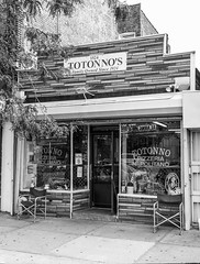 Famous Totonno Pizzeria Napolitano; Brooklyn, New York (hogophotoNY) Tags: landmark pizza landmarkpizza brooklyn brooklynny newyork brooklynnewyork hogo hogophoto hogophotony bw blackandwhite blackwhite us usa totonno'spizzerianapolitana totonno's pizzeria napolitana coneyisland coneyislandny coneyislandnewyork