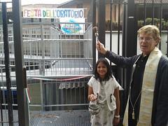 "15.09.27 Don Alessio inaugura la nuova entrata dell'Oratorio da Via Padova (2) • <a style=""font-size:0.8em;"" href=""http://www.flickr.com/photos/82334474@N06/21326160773/"" target=""_blank"">View on Flickr</a>"