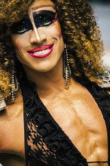 The Curly (snarulax) Tags: china street city gay portrait man smile mexico drag calle df muscle retrato queen attitude curly sonrisa hombre actitud musculoso trasvesi