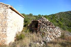 abandoned finca- the well- der Ziehbrunnen (Marlis1) Tags: abandoned well baixebre finca aljibe tivissa spainespaa ziehbrunnen pedraseca marlis1 aljub wrecksruins panasonicfz1000