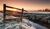 Xmas 2016 (~g@ry~ (clevedon-clarks)) Tags: northsomerset fence frost frosty frostysunrise moors morning somerset sunburst sunrays sunrise tickenham tickenhammoors winter