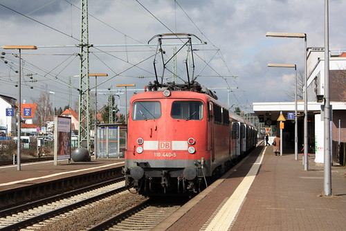 DB: 110 440-5 mit RE in Butzbach