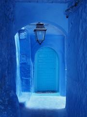Blue, Chefchaouen, Morocco ([The World Through My Eyes]) Tags: olympus olympusomdem1 blue morocco chefchaouen beautiful alley rua azul streetphoto monochrome monocromático الشاون لشفشاون المغرب