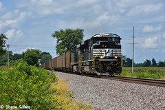 NS coal on the K line. (Machme92) Tags: ns norfolksouthern norfolk newpower emd sd70ace bnsf burligrton bn bnsfkline railroad railfanning railroads railfans rails rail row railroading railfan railyard sky clouds