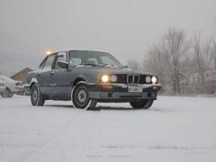 first snow (finally!) (regular carspotting) Tags: bmw e30 320i cirrusblau metallic 3er 3series 3 series serie german sedan fourdoor snow schnee neve südtirol sothtyrol lights winter