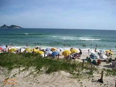 Praia (Janos Graber) Tags: praia barradatijuca mar pessoas areia riodejaneiro