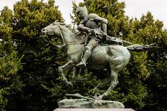 Statue de Du Guesclin (JiPiR) Tags: caen bassenormandie france fr