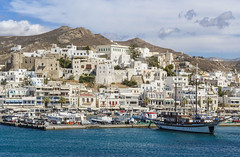 Naxos (guillenperez) Tags: greece grecia cyclades cicladas island isla mar sea mediterranean mediterraneo naxos city ciudad castle castillo venetian veneciano boat barco sailing vela