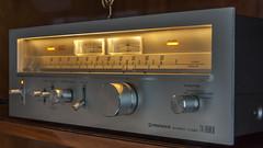 Pioneer TX-9500II AM/FM Stereo Tuner (AudioClassic) Tags: analog radio vintage 1975 tuner audio pioneer hifi amfm vintageaudio vintagehifi retrostereo hifistereo stereotuner hificlassic audioclassic pioneertx9500ii