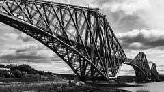 brontosaurus metallicus playing a chain game ... (lunaryuna) Tags: bridge architecture scotland edinburgh lunaryuna railwaybridge firthofforth forthbridge seastrait beautyofdesign mecanoland stealmonster