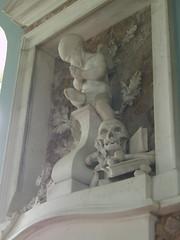 Creepy Cherub, Honington (Aidan McRae Thomson) Tags: sculpture church monument memorial baroque warwickshire honington