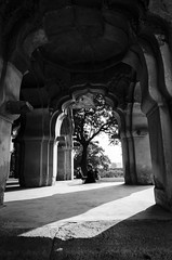 Lotus Mahal (Vilvesh) Tags: light people bw india architecture canon photography shadows karnataka hampi photograhy badami cwc canon100mm tokina1116mm chennaiweekendclickers cwctravelwalk