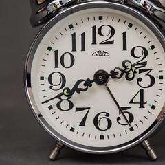budzik 2 (Kamcia666) Tags: clock studio zdjcie owietlenie budzik fotobalans