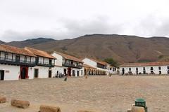 "Montaña árida en Villa de Leyva • <a style=""font-size:0.8em;"" href=""http://www.flickr.com/photos/78328875@N05/23142561214/"" target=""_blank"">View on Flickr</a>"