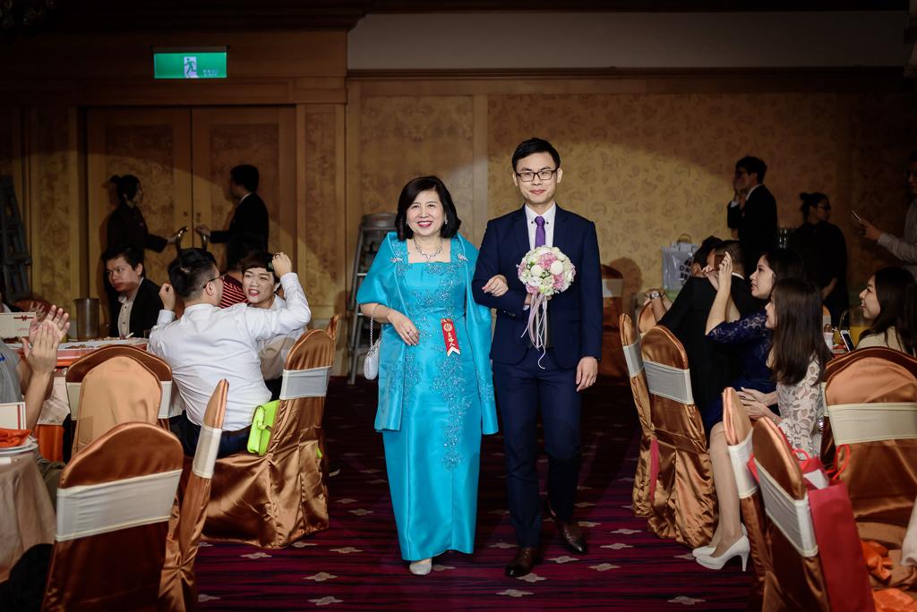 Wedding day-0060 ,僑園婚攝,台中僑園,僑園婚宴,新秘Alice ,婚攝小勇,台北婚攝, 小淑造型團隊