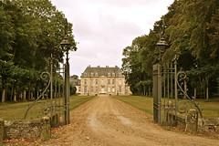 Chateau de Prouzel (JDAMI) Tags: chateau ancien antique grille chemin arbres somme 80 picardie prouzel france nikon d600 tamron 2470