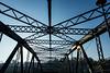 Pont vers Meudon (Thierry Poupon) Tags: boulogne ileseguin meudon pont seine soleil cantilever ciel contrejour trellis bridge boulognebillancourt iledefrance france fr blue cross