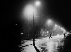 Volkmar was hier (René Mollet) Tags: street streetphotography shadow silhouette stormy rain raindown night nightshot blackandwhite bw blackwhite monchrom monochromphotographie monochrom streetphotographiebw aarau mainstreet renémollet