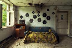 Musicothérapie (Photonirik) Tags: abandoned house decay urbex urban exploration