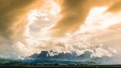 Bientôt l'orage. (Bouhsina Photography) Tags: ciel nuage orage montagne colline tétouan maroc morocco bouhsina bouhsinaphotography tetuan canon 7dii ef2470 couleur lumire brillant wow