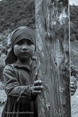 Timidez (CamiloRivera) Tags: niña pena embera desconocido indígena timida verguenza