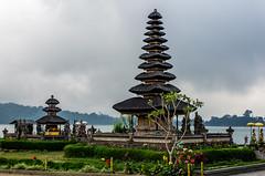 IMGP2340 (vivosi8) Tags: bali indonesia island temple pentax ile k5 dieux beratan indonsie puraulundanuberatan