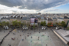 París desde el Centro Pompidou (Juan Ig. Llana) Tags: paris îledefrance francia pompidou ciudad casas plaza horizonte gente sigma102035