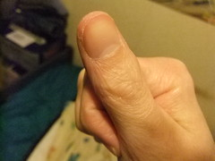 DSCF6285 (ongle86) Tags: sucer ronger ongles doigts mains thumb sucking nails biting fingers licking hand fetish