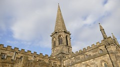 2015-03-21 16:04:33 All Saints Church, Bakewell (MedEighty) Tags: 2015 march uk england derbyshiredales derbyshire bakewell town small spring allsaints church allsaintschurch building architecture spire tall pointy stone medeighty
