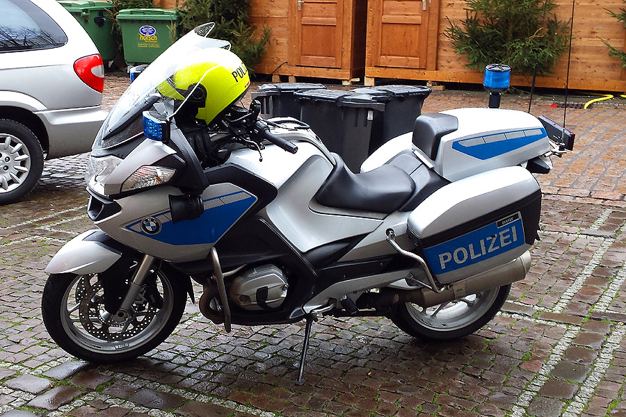 the world 39 s best photos of bike and polizei flickr hive mind. Black Bedroom Furniture Sets. Home Design Ideas