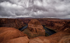 POV crawling to the edge (RigieNL) Tags: storm sony sonya6000 horseshoebend horseshoe arizona page usa america roadtrip nature landscape clouds cloudy cloud