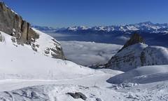 Tsantonnaire (bulbocode909) Tags: valais suisse ovronnaz tsantonnaire montagnes nature hiver neige paysages stratus brume bleu sixarmaille