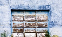 Garage Door, Fort Bragg (Thomas Hawk) Tags: california blue usa wall unitedstates unitedstatesofamerica mendocino fortbragg garagedoor