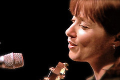 Suzanne Vega in London (Still Frame) (Chris Seufert) Tags: london film wall christopher documentary suzanne marlene vega mooncusser seufert