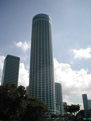 Swisshotel Singapore (JAMES HALLROBINSON) Tags: skyscraper hotel high singapore swisshotel tallesthotel